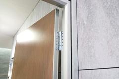 神冈不锈钢三维可调重型铰链合页走进新达高梵展厅!